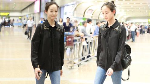 张钧甯素颜凉拖现身北京机场 机场安检:请问您是本人么?