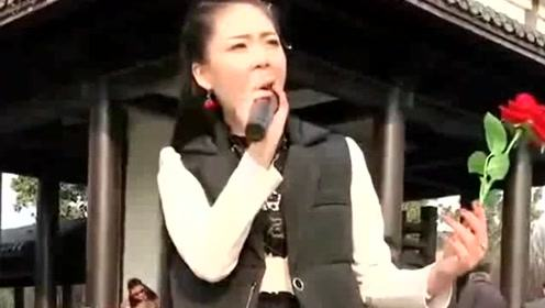 清秀小姐姐热情演唱《春暖花开》,梦想绽放