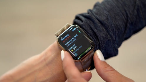 为什么Apple Watch 4比iPhone XS更值得买?全面屏设计真的很惊艳