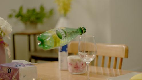 女生独居,发现餐厅有异样想动,谁知道迎接她的却是这样?!