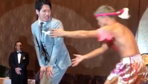 日本拳手的闹洞房,一腿踢到飞起