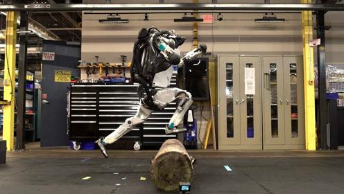 世界上最逆天的人形机器人,玩酷跑当替身,细思极恐!