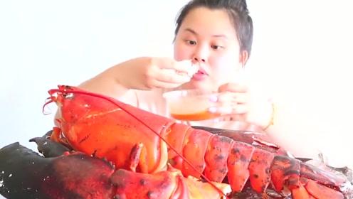 胖妹吃大龙虾,这么大一只,看着都馋