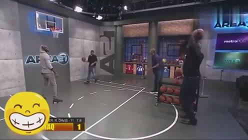奥尼尔和穆大叔投篮比赛, 穆大叔仍然神准, 老鲨鱼仅中两球!