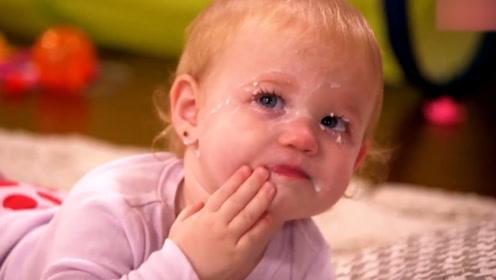 宝宝一边哭一边跟妈妈吵架,吵不过两句就怂了,让人捧腹大笑