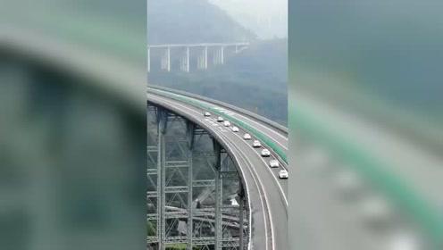 四川雅西高速为啥称为天梯高速?看完你就知啥叫逆天工程了