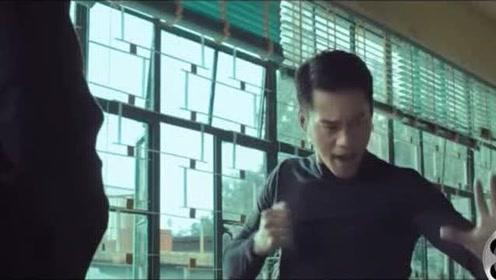 李小龙去拜叶问为师,并声称自己会是他最棒的徒弟!