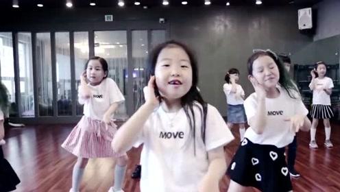 广州五岁小孩趁家长没在家,组织幼儿园同学在家聚会,群魔乱舞景象
