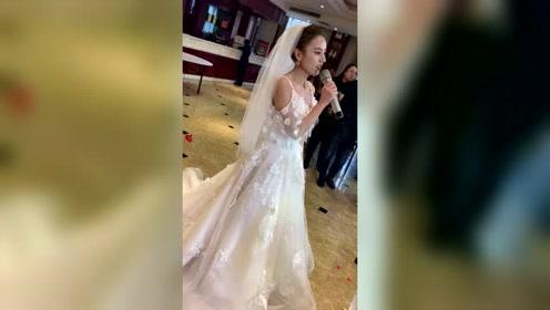 现在的婚礼是不是都要办成演唱会的样式?不会唱歌的怎么办?