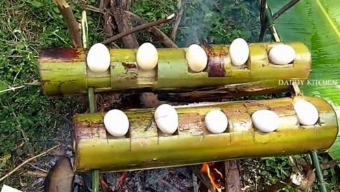 砍来一棵香蕉树,拿来10个鸡蛋,看看印度村民是什么吃法