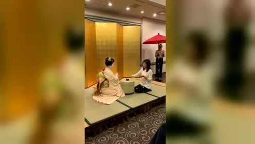 媳妇和日本舞姬玩游戏,这反应速度不赢都难!