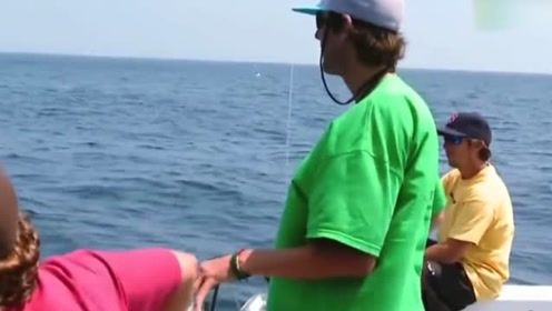捕鱼生死斗:他跑来格洛斯特  ,听说是来打败达康号的!