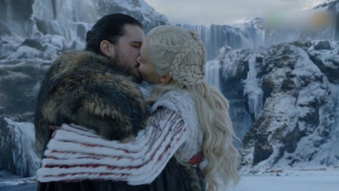 《权游8》冰火cp拥吻,这些名场面前后呼应老粉要哭了!