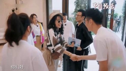 章子怡拥抱丈夫团唯独不敢抱买超,汪峰的表情引人注目
