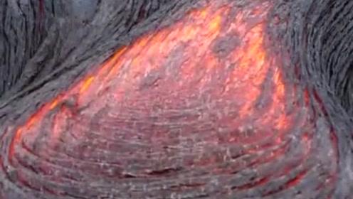 夏威夷火山熔岩涌出流动瞬间