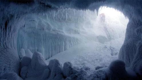 美国卫星发现南极洲下300米深的巨大空洞,可装下140亿吨冰