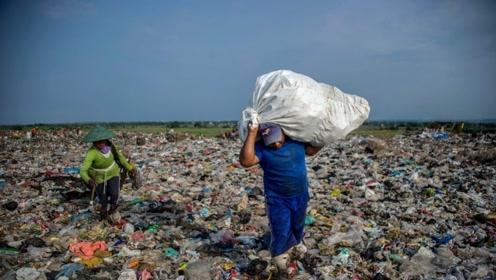 不在忍耐!中国一举退回加拿大2000吨垃圾,网友:干得好!