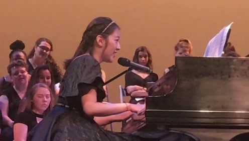 学姐毕业典礼上一唱成名,一首《撒野》技惊四座,掌声如雷!