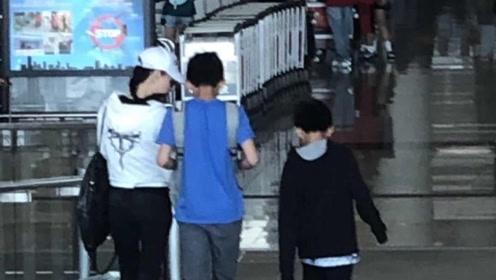 张柏芝携儿子出游度假,母子三人并肩画面超温馨!