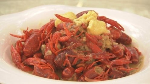 榴莲味小龙虾、悬崖上荡秋千…美食+极限运动,这张旅游名片收好