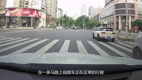 遇上这奇葩隔离带,轿车司机一脸无语,记录仪拍下过程