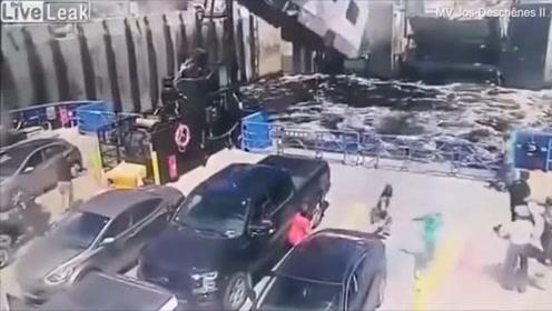 刹车失灵 失控房车在空中翻转 呼啸着撞向渡轮