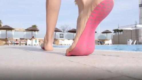老外发明最轻的隐形鞋,就像创可贴一样贴在脚底,不怕扎到脚吗?