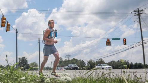 不可思议!美国男子穿凉鞋赢得314英里比赛冠军