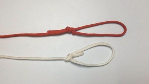 """这个结是""""单英式套结"""",它与称人结类似,绳圈大小都是固定的"""