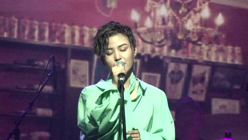 潘倩倩首张专辑发布会 称欣赏毛不易的才华