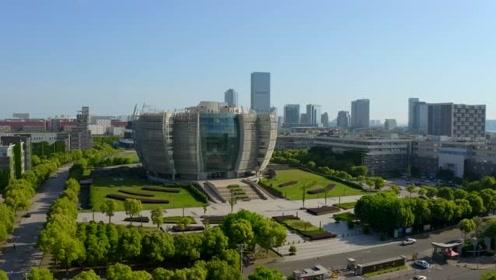 苏州大学独墅湖校区航拍,飞跃苏大,这里有全国最美图书馆!