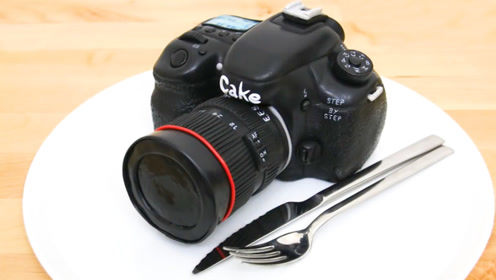 牛人将蛋糕做成逼真的相机,完全舍不得下口