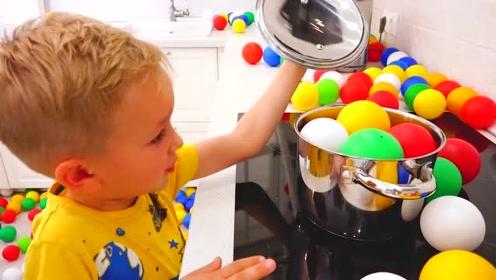萌娃们可真是会玩呢!小家伙们的家里下起了小气球,真有趣呢!