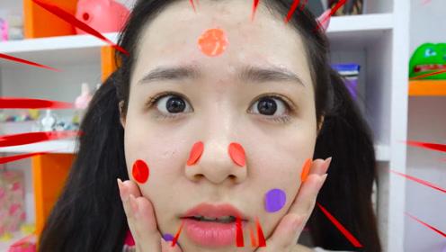 姐姐涂了化妆品后,脸上长了很多痘痘,孩子们想帮忙也无可奈何!