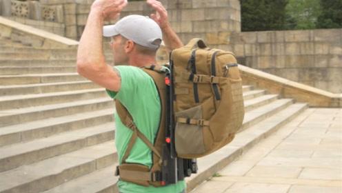 """可以""""跳一跳""""的悬浮背包,谁发明的?太有才了!"""