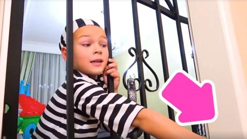 萌娃小可爱犯错误被关了起来,灵机一动想到一个逃跑的好办法!