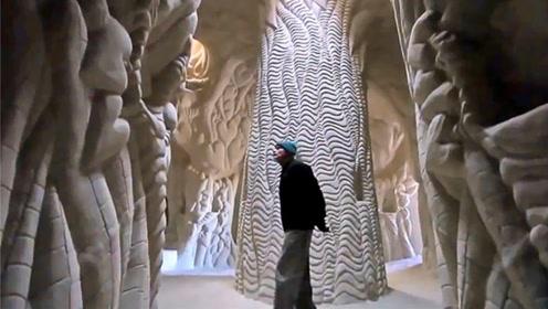 外国男子隐居沙漠25年,只为建造地下世界,网友:艺术家!