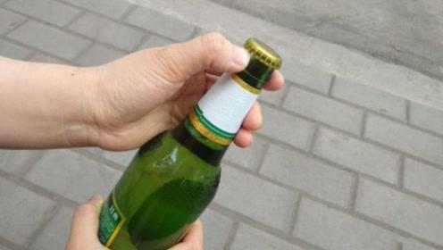 谁都没想到开啤酒这么简单,只需一张纸,3秒就能轻松打开