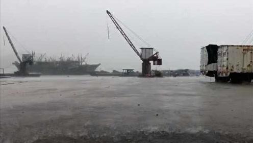 台风白鹿已进入广东,饶平发暴雨橙色预警,暴雨真的要开始了