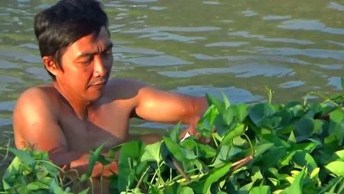 太拼了,钓鱼挂草了,为了鱼啥事都能干出来