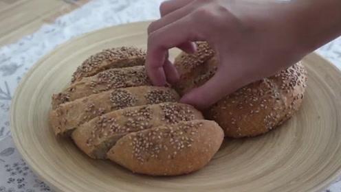 减肥健身都喜欢全麦面包,它作用是什么?市面上卖的是什么?