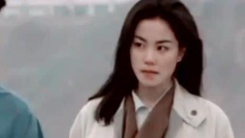 """风一般的女子!王菲机场玩""""摸头杀""""霸道又宠溺"""
