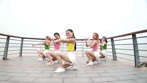 最火《芒种》被美女们跳出了动感的味道,满满的青春朝气!