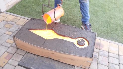 十公斤熔岩能用来做啥?老外自制忍者玩具,网友:玩起来要点力气