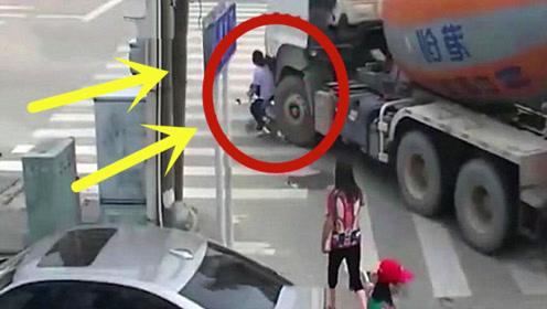 女子被罐车活活压死,妹子还要负全责,查看监控家人无话说!