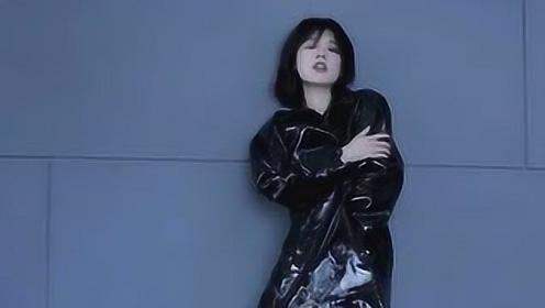 马思纯化身日系女孩登杂志封面眼神深邃侧脸精致超鬼马