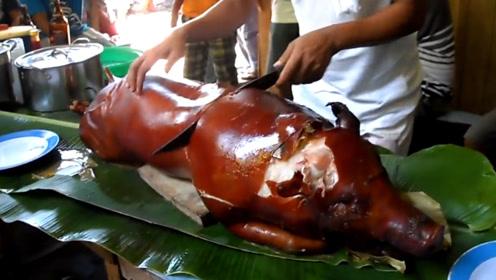 农村小伙家门口卖烤猪,48一斤给城里人,一只就得6000块