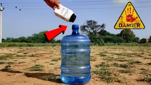 趣味实验:把金属钠放进饮水机瓶,结果反映太激烈了!