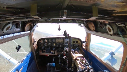 """真正的""""无人机"""",由机器人飞行员驾驶,成功完成起飞降落"""