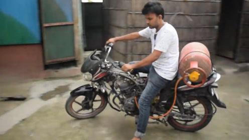 煤气还能代替汽油使用?印度小伙亲自测试,结局让人完全没想到